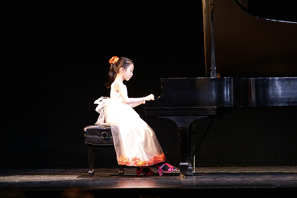 Photo Gallery of Yevgeny Morozov Piano Studio in Central New Jersey. Final performance of piano student JENNIFER LIU.